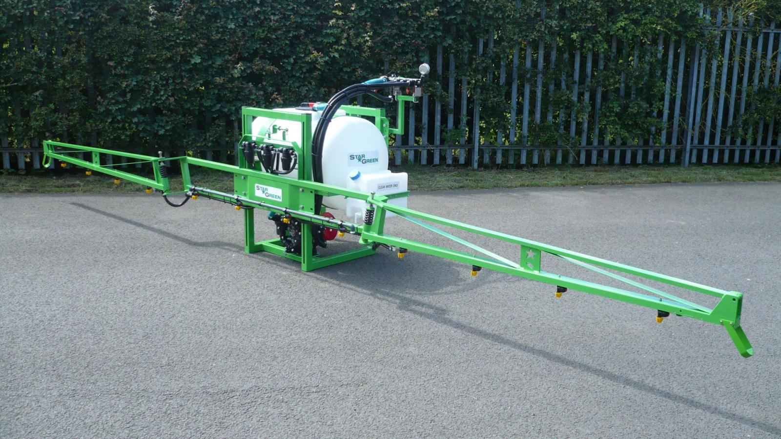 The AS200 is STARGREEN's entry level tractor mounted amenity sprayer yet still has the build quality, finish and high specification components found on the larger sprayers within the STARGREEN range.