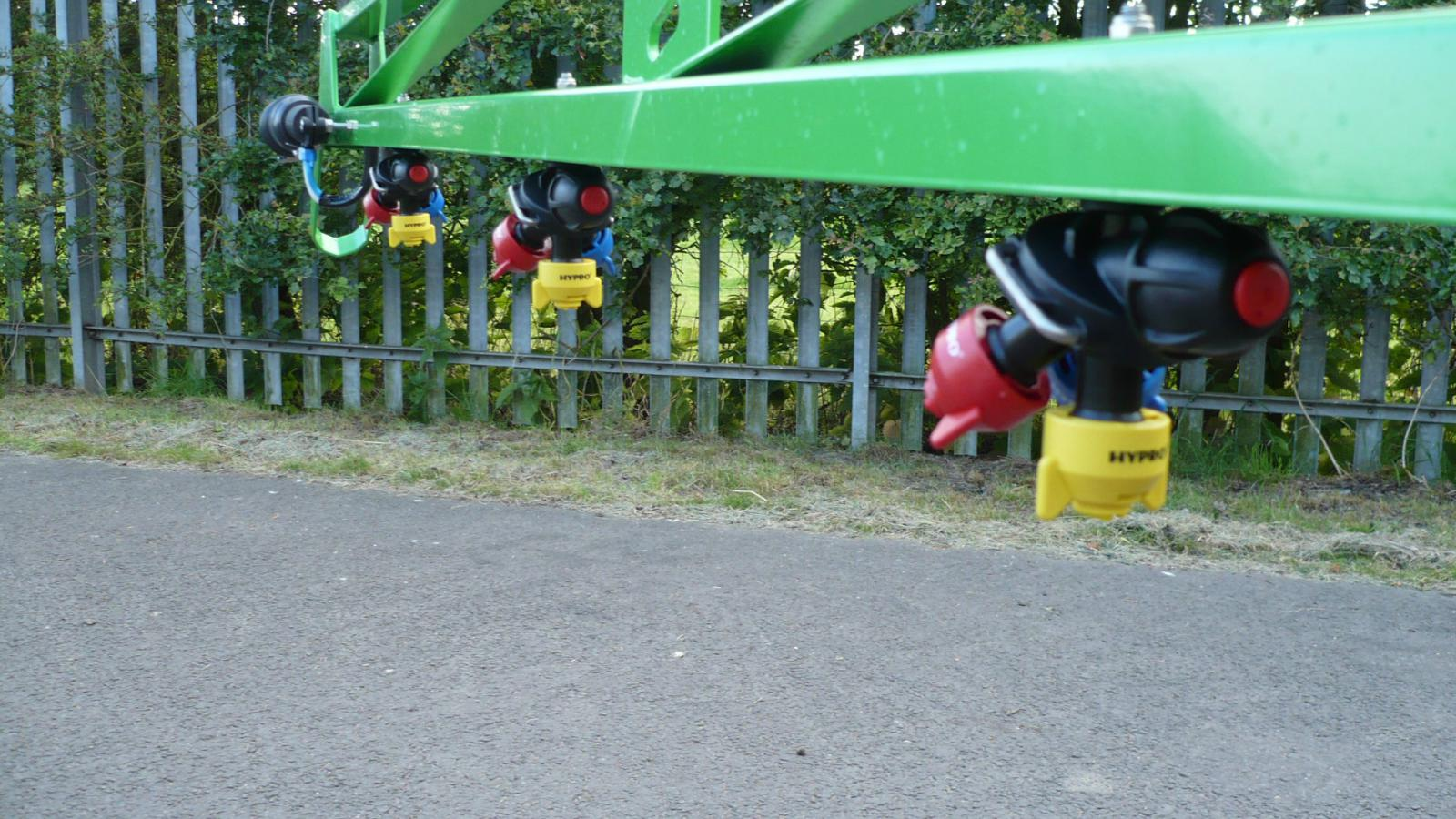 Optional triple nozzleholders on STARGREEN's AS200 Tractor Mounted Amenity Sprayer