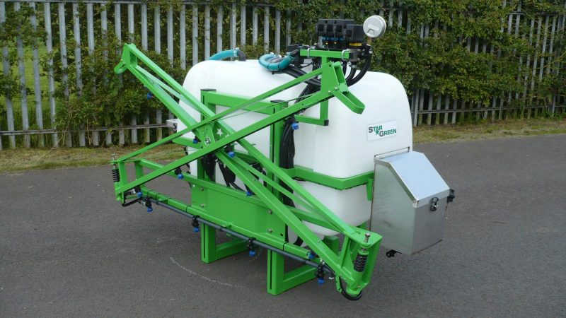 STARGREEN's AS600Pro and AS800Pro tractor-mounted amenity sprayers are ideal for professional greenkeepers and groundsmen who have large grass areas to maintain and want to work as efficiently as possible.