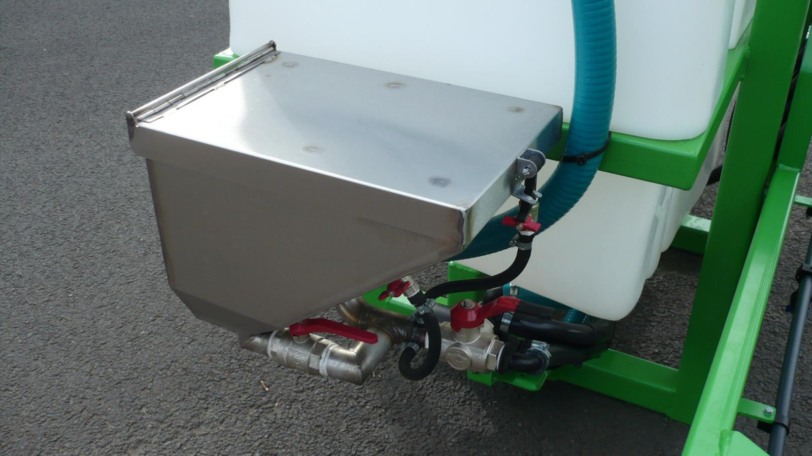 STARGREEN AS600Pro and AS800Pro tractor-mounted amenity sprayers - detail