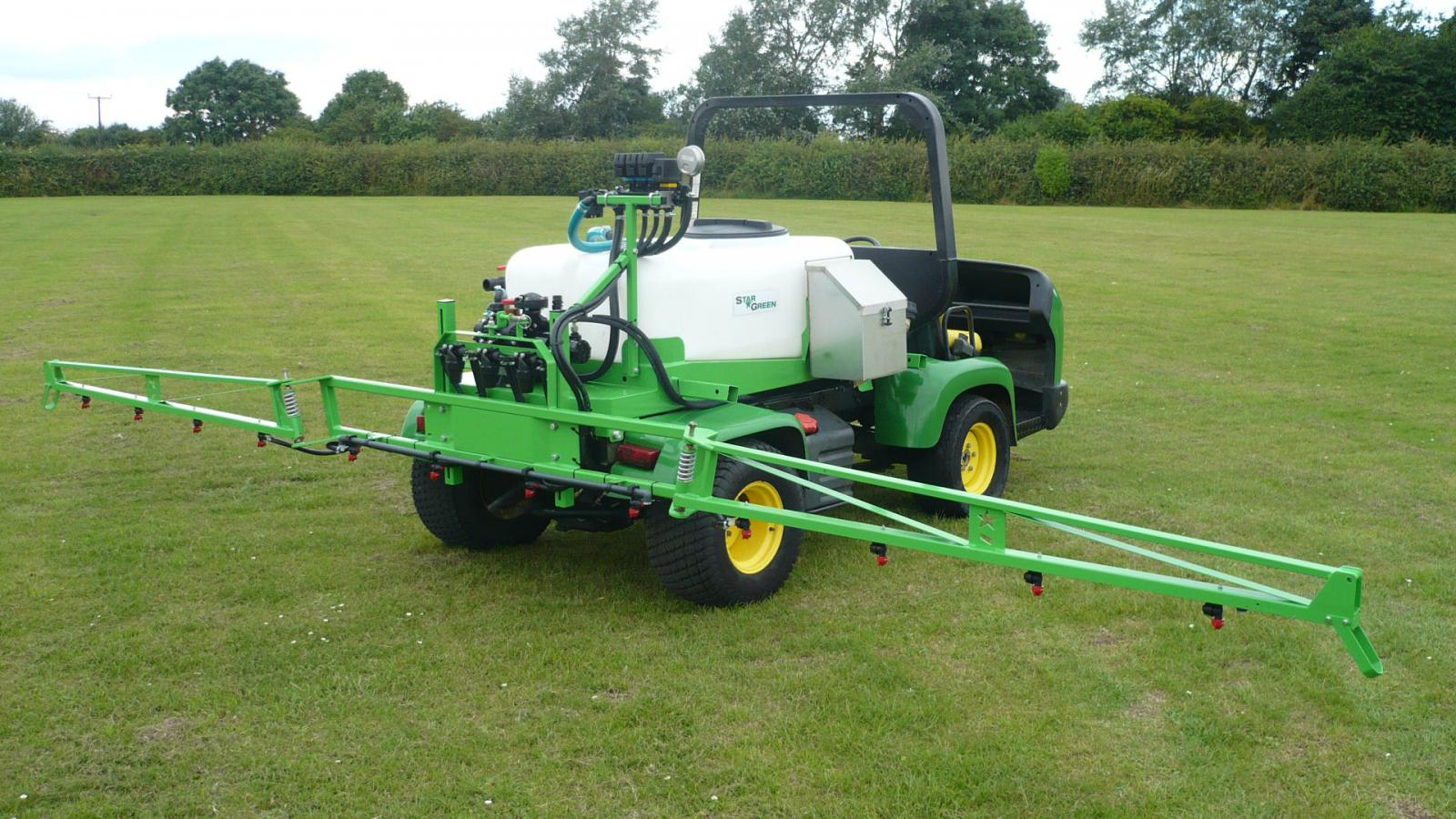 The DM450Pro and DM700Pro STARGREEN UTV Demount Amenity Sprayers are for professional groundsmen and greenkeepers to use with specialist vehicles including John Deere ProGator, Toro Workman and Jacobsen Truckster type utility trucks.