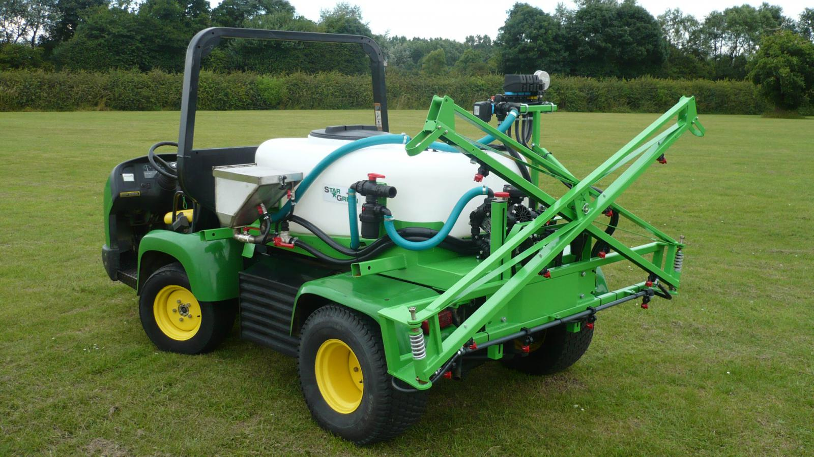 Both DM450Pro and DM700Pro STARGREEN UTV Demount Amenity Sprayers have boom lock catches to hold the booms closed in storage and transit
