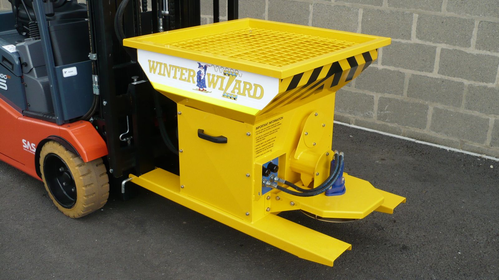 The Winter Wizard as easy to pick up as a loaded standard pallet!