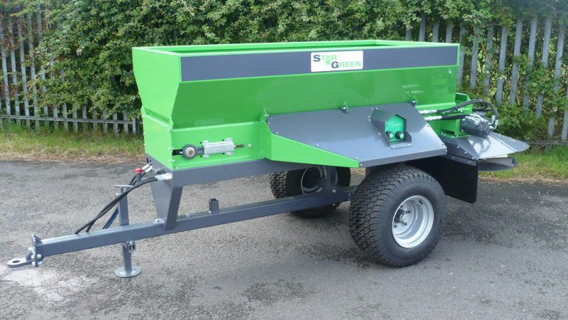 STARGREEN's TD700T model is a tow-behind turf care top dresser specifically designed for top dressing a range of turf playing and sports surfaces.