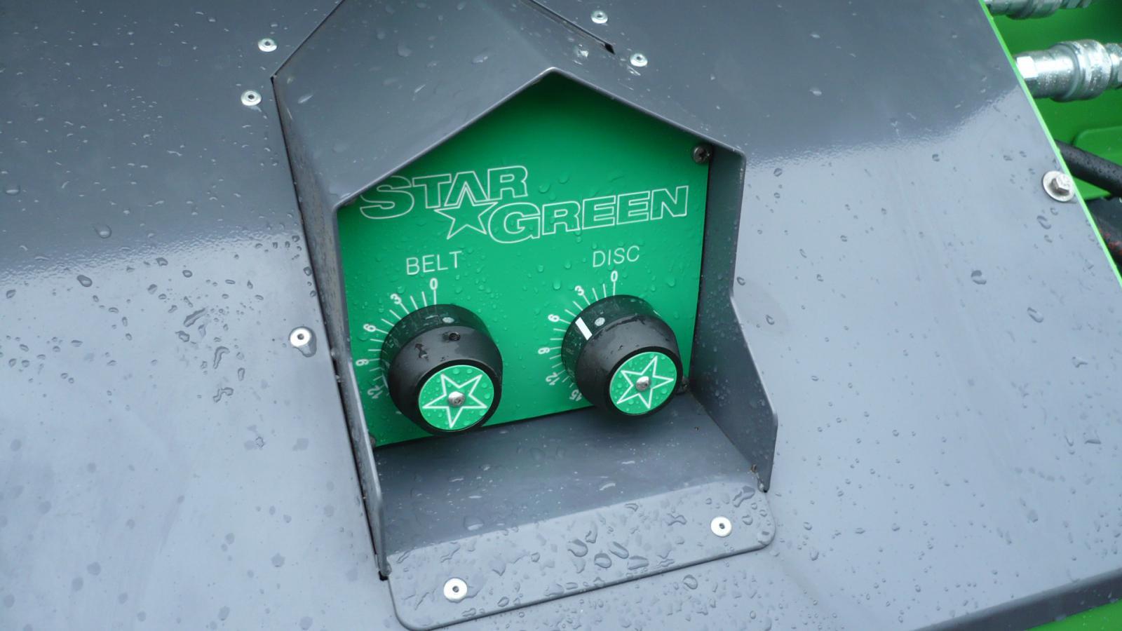 Manually adjustablebelt and disc controls on the TD700 STARGREEN UTV Demount Turf Care Top Dresser from VALE Engineering