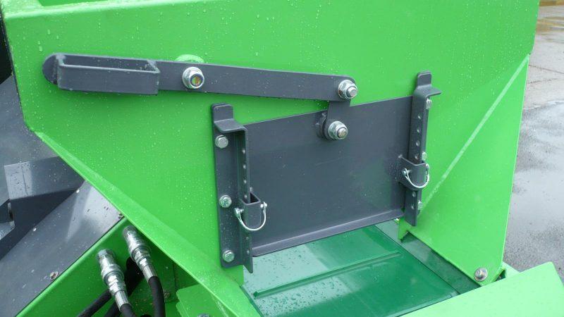 Multi position rear variable discharge door on the TD700 STARGREEN UTV Demount Turf Care Top Dresser