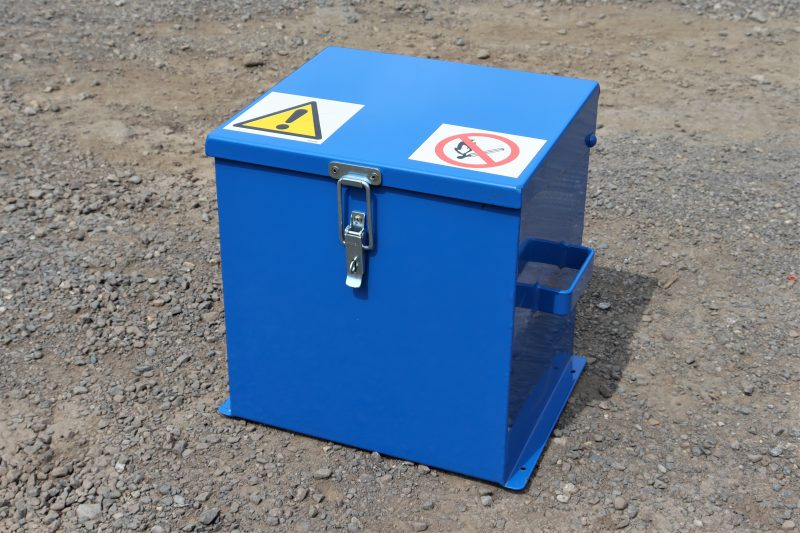 Small Chemical Storage Safe VCS015 has 3 x 5 litre capacity
