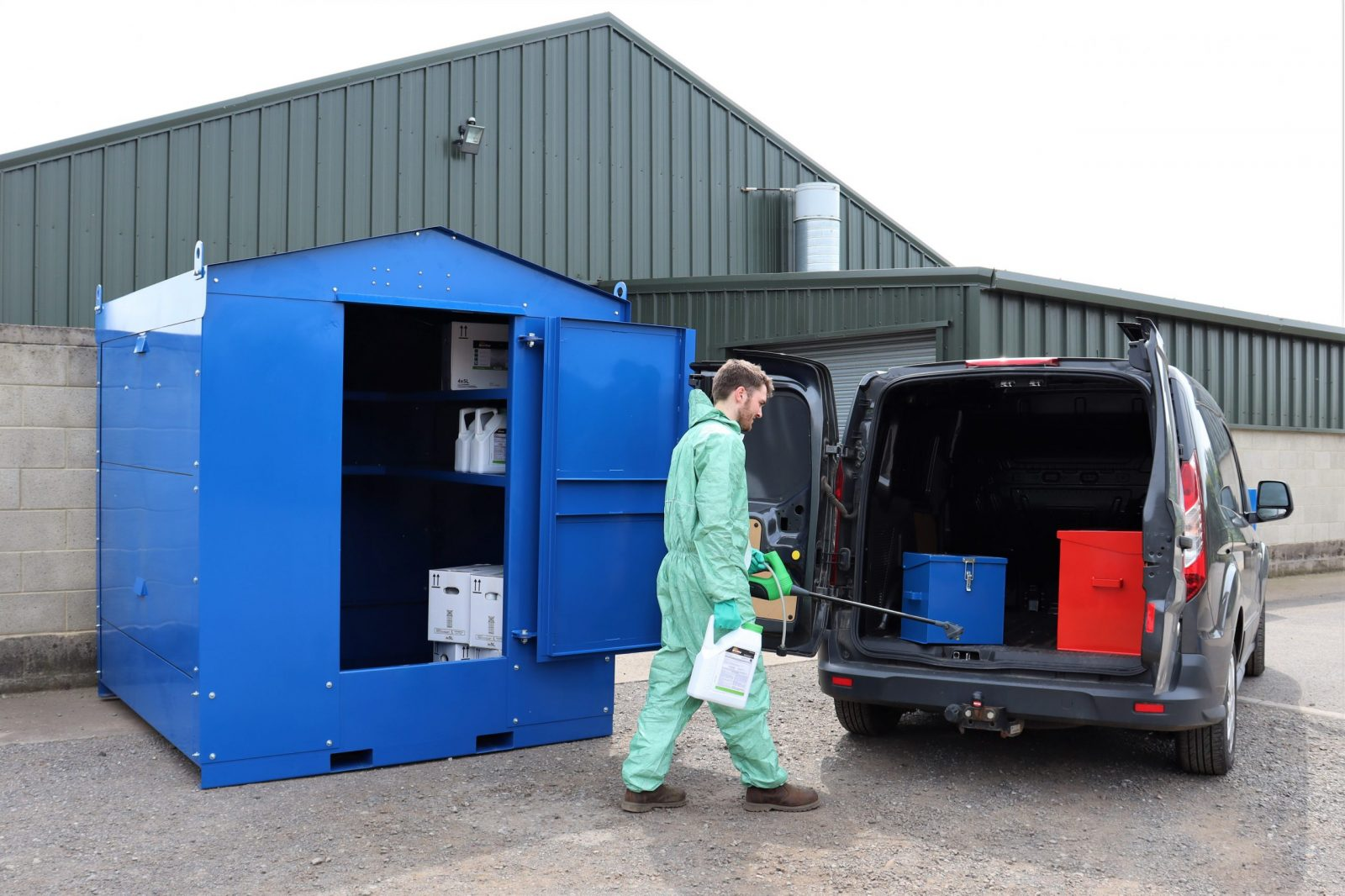 The VCS1500 walk-in chemical store meets current Health & Safety requirements. Designed and made by VALE Engineering in the UK.