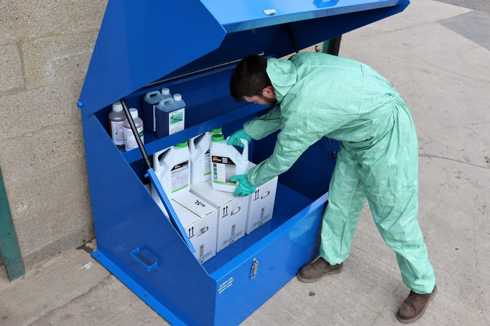 The VCS400 lockable chemical storage safe from VALE Engineering is fitted with a high-level shelf