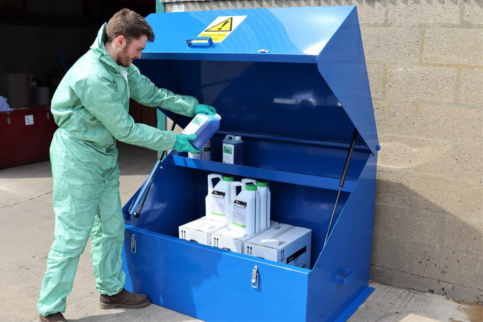 The VCS400 is a robust and lockable chemical storage safe from VALE Engineering is ideal for local authorities, facilities maintenance managers and agricultural or farm use