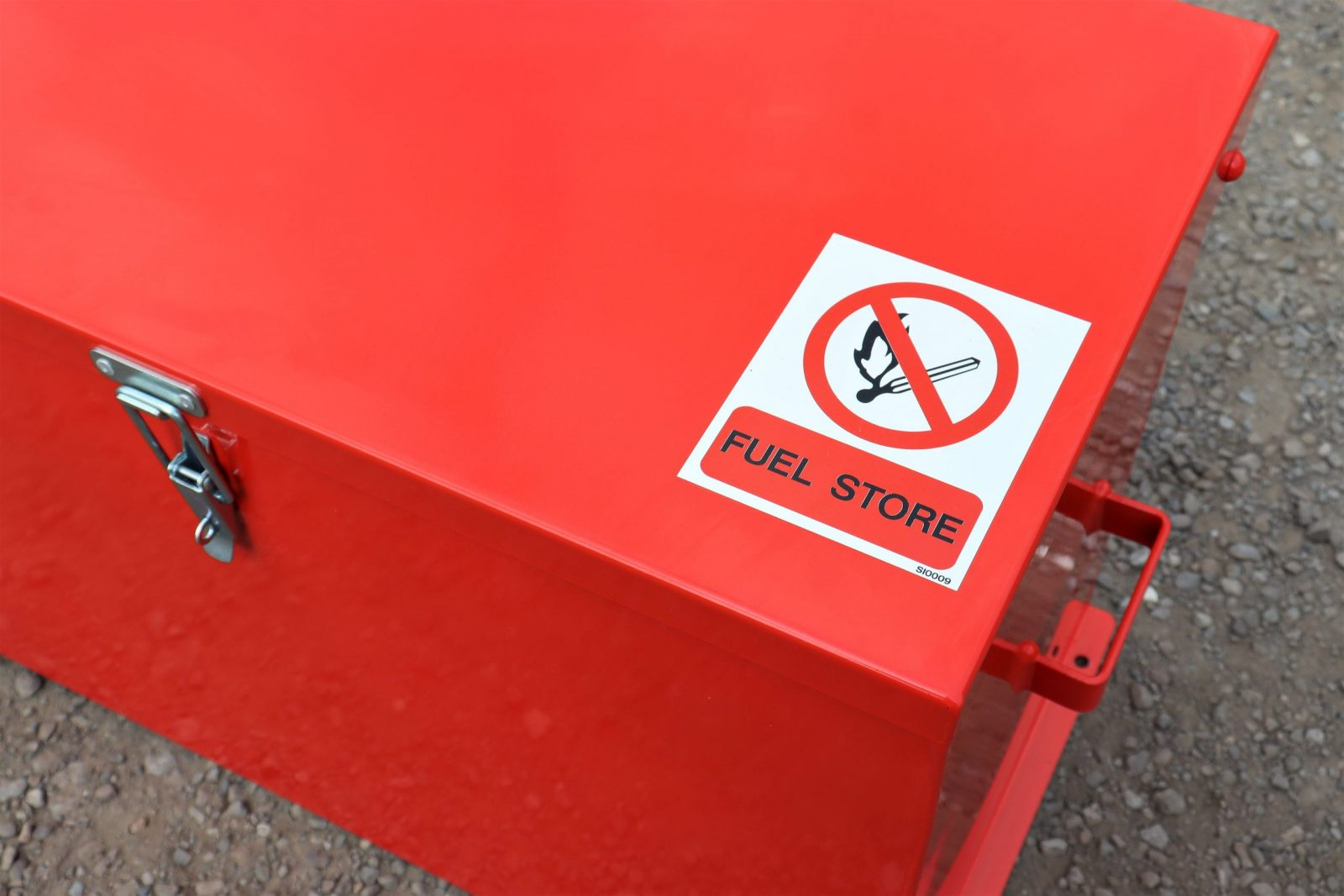 Clear warning signs feature on all VALE Engineering's Fuel Storage Safe