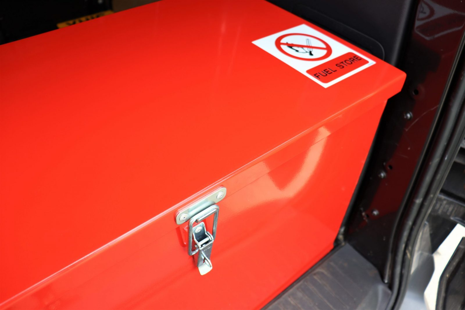 The VFSJC fuel storage box, made by VALE Engineering, is designed specifically for the safe storage of fuel including petrol and diesel