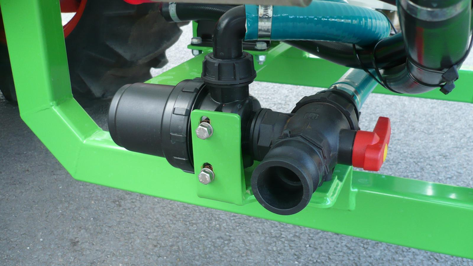 The STARGREEN AS300Pro and AS400Pro tractor-mounted amenity sprayers - detail