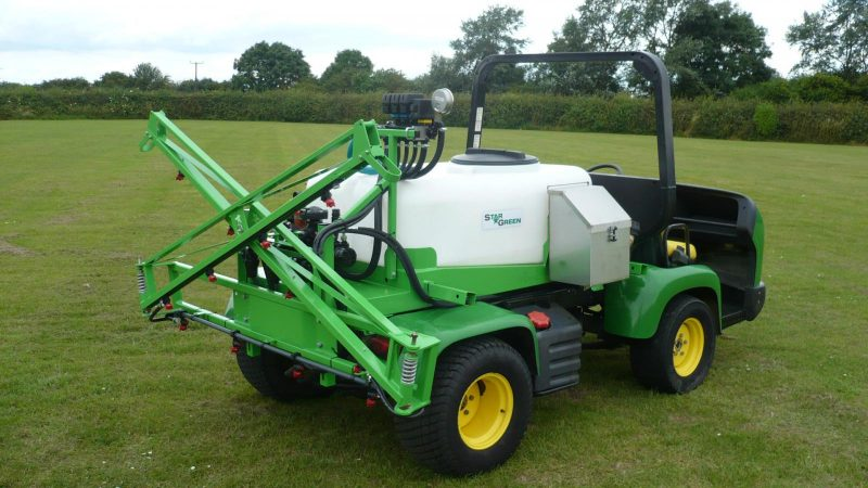 High quality manual fold booms have a positive break back action and open position on both DM450Pro and DM700Pro UTV Demount Amenity Sprayers