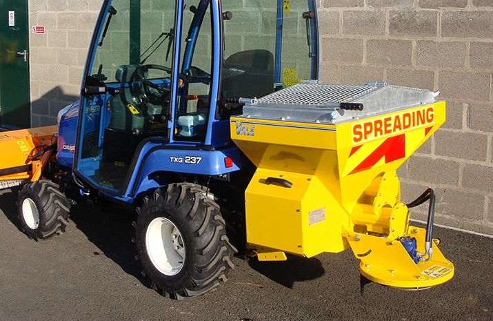 Salt Spreader/Snowplough Mini-Tractor Combi fitted with fully glazed cab and heater