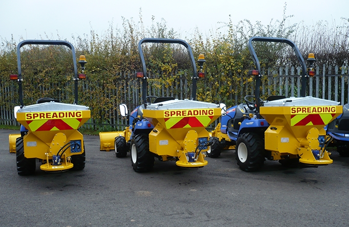 This Salt Spreader/Snowplough Mini-Tractor Combi has MS250 Salt Spreader (Gritter) and SP130 Compact Snow Plough attachments to satisfy demand for a compact, dedicated winter maintenance, snow clearing and salt spreading machine.