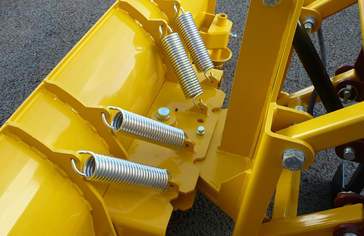 Break-back springs on the snow plough attachments from VALE Engineering minimise potential damage in use