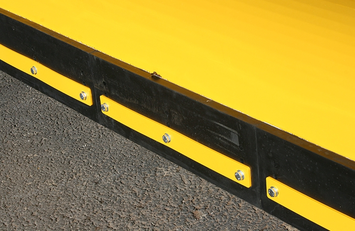 Segmented abrasion resistant rubber wearing edge on Tractor Snow Plough SP2400HD can be refitted multiple times