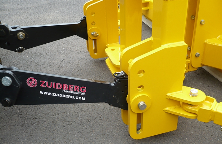 Plough float incorporated in linkage design or fixed lower link mounting holes