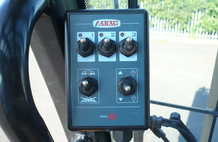 Electric control box for controlling individual spraying sections on the Liquid De-Icer Sprayer