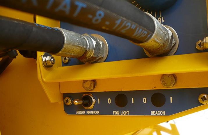 Auger reverse control on VALE Engineering's TS1200 salt spreader