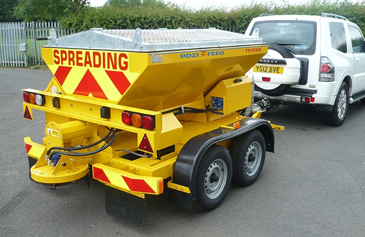 VALE Engineering's TS1200 salt spreader (gritter) is designed to be towed or trailed at high speed by a suitable 4x4 vehicle