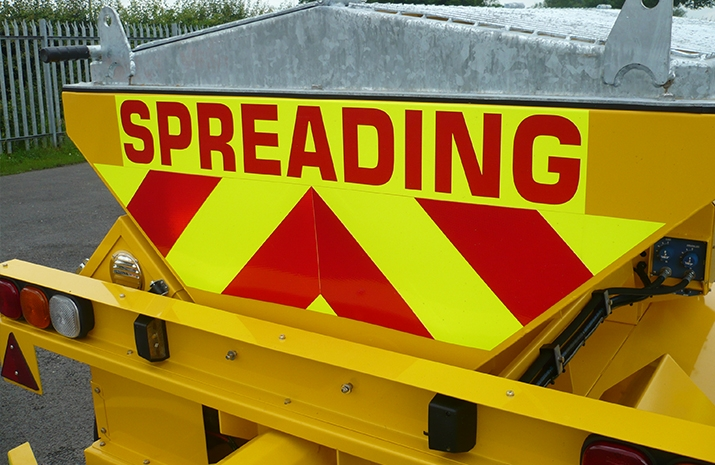 Fluorescent markings on the rear of the TS1200 salt spreader(gritter)