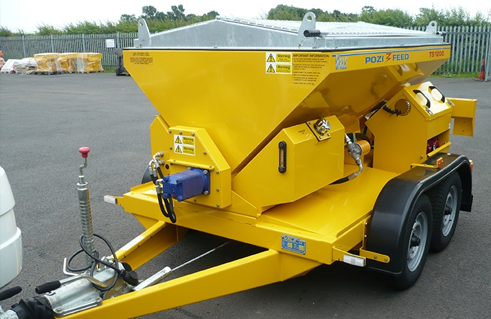 Overall dimensions of VALE Engineering's TS1200 salt spreader: 4040 x 1950 x 1600mm (length x width x height)