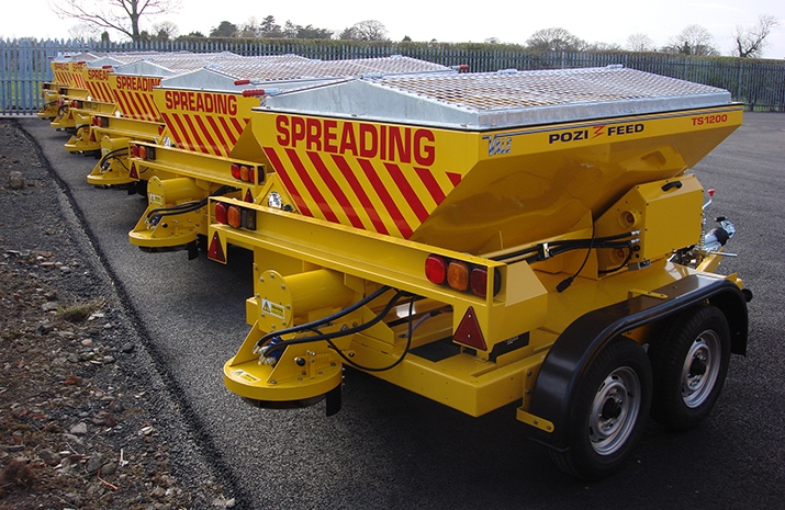 The TS1200DC Trailed Salt Spreader (gritter) has a 1.2m³ Mild Steel Hopper