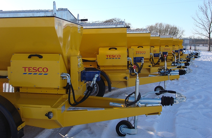 The TS1200DC Trailed Salt Spreader (gritter) is popular with supermarkets, car manufacturing plants, soft drinks manufacturers and oil refineries.