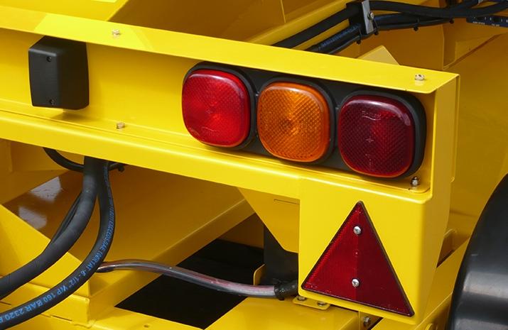 Full road lighting on the TS1200DC Trailed Salt Spreader (gritter)