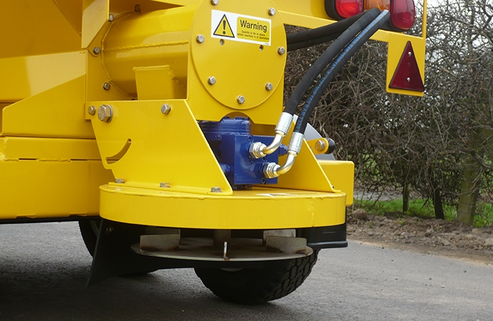 Hydraulically driven stainless steel disc on the VALE TS1700 Tractor Towed Salt Spreader (Gritter) from VALE Engineering has adjustable spread width from 1.8m to 8m