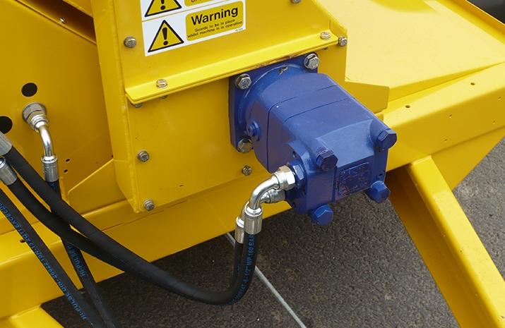 VALE TS1700 Tractor Towed Salt Spreader - detail