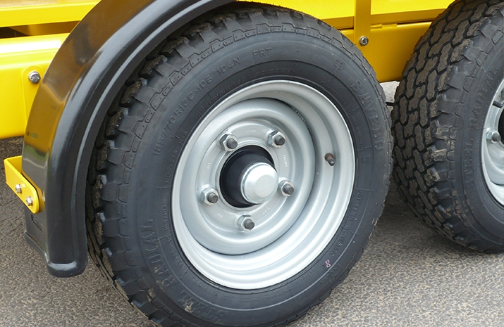 Tandem plastic mudguards on the VALE TS1700 Tractor Towed Salt Spreader (Gritter) from VALE Engineering