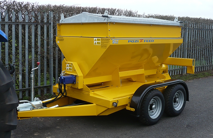 All metal work on the VALE TS1700 Tractor Towed Salt Spreader is blast cleaned, prior to zinc rich powder prime and finished in polyesterpowder coat finish