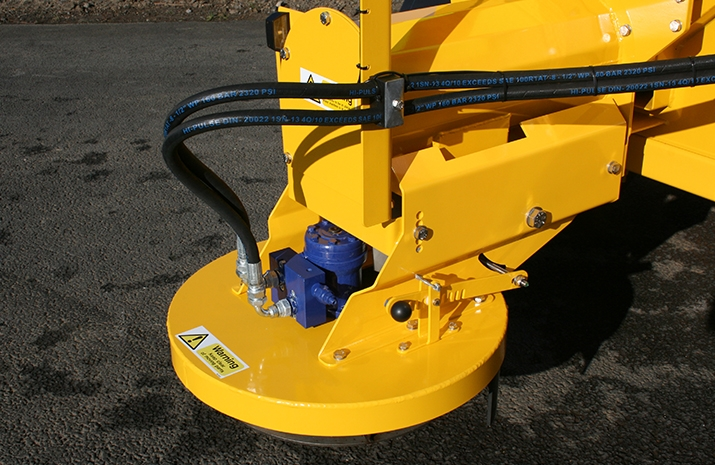 VALE Engineering's VALE TS3000 Tractor Towed Salt Spreader has an hydraulically driven stainless steel disc with adjustable spread width from 1.8m to 12m