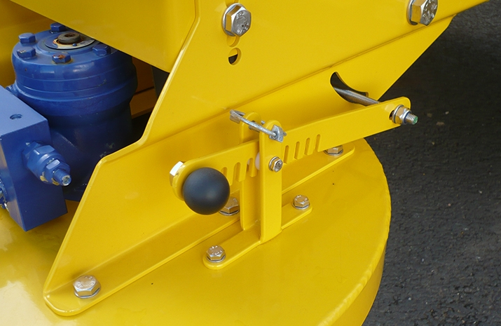VALE Engineering's VALE TS3000 Tractor Towed Salt Spreader (Gritter) - detail