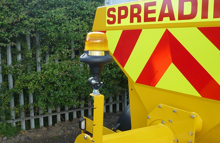 Rear mounted xenon low current beacon on the VALE TS3000 Tractor Towed Salt Spreader (Gritter)