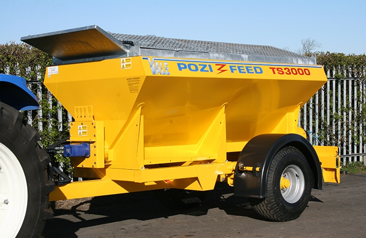 All metal work on the VALE TS3000 Tractor Towed Salt Spreader (Gritter) is blast cleaned, prior to a zinc rich powder prime and finishing with a polyester powder coat