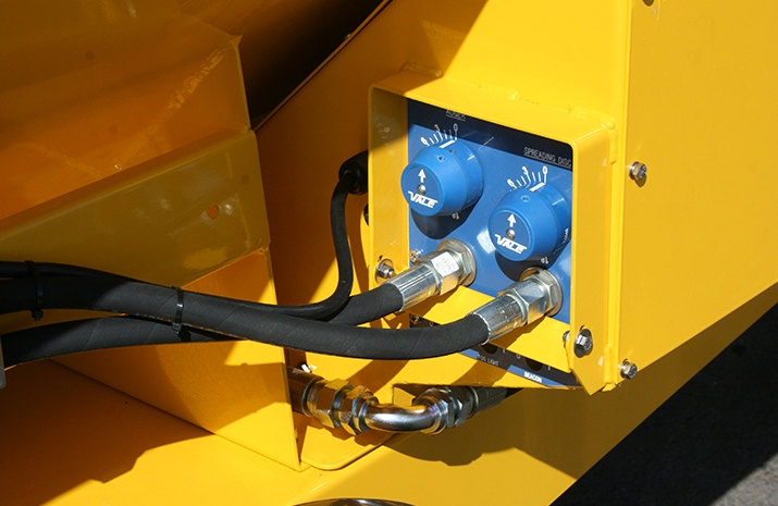 Manually adjustable application rate valve on the VALE TS500 Tractor Towed Salt Spreader (Gritter) from VALE Engineering