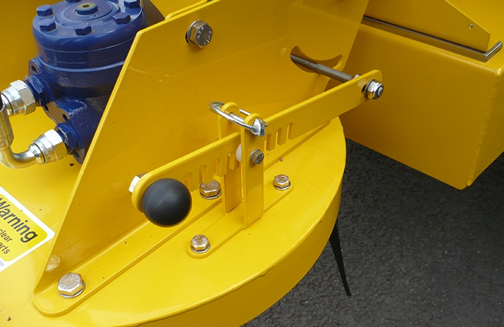 VALE TS500 Tractor Towed Salt Spreader (Gritter) - detail