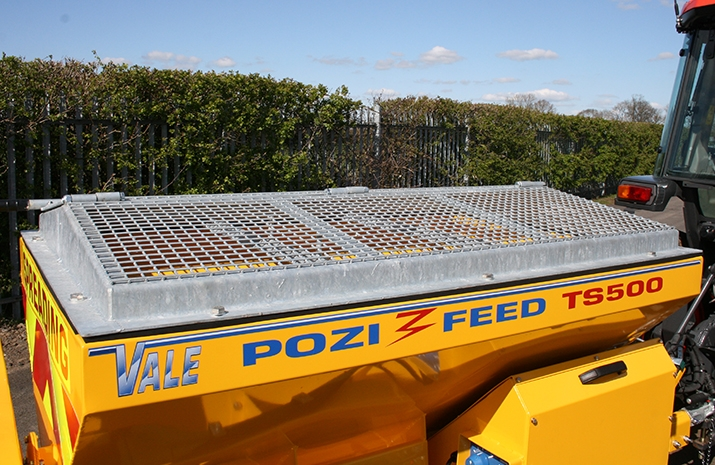 The VALE TS500 Tractor Towed Salt Spreader (Gritter) has agalvanized pitched mesh, complete with access hatch
