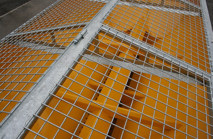Galvanized pitched mesh, complete with access hatch on VALE Engineering's VALE TS5000 Tractor Towed Salt Spreader (Gritter)