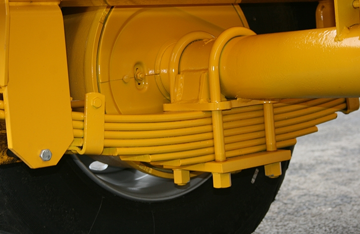 The VALE TS5000 from VALE Engineering has a heavy duty chassis fitted with leaf spring suspension.