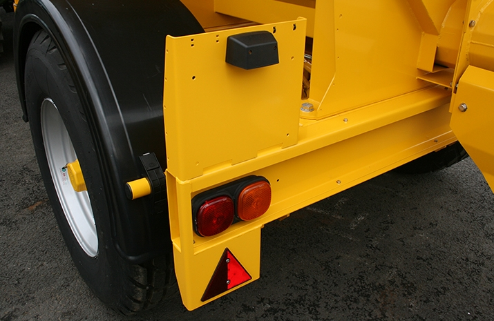 Road lighting detail on the VALE TS5000 from VALE Engineering