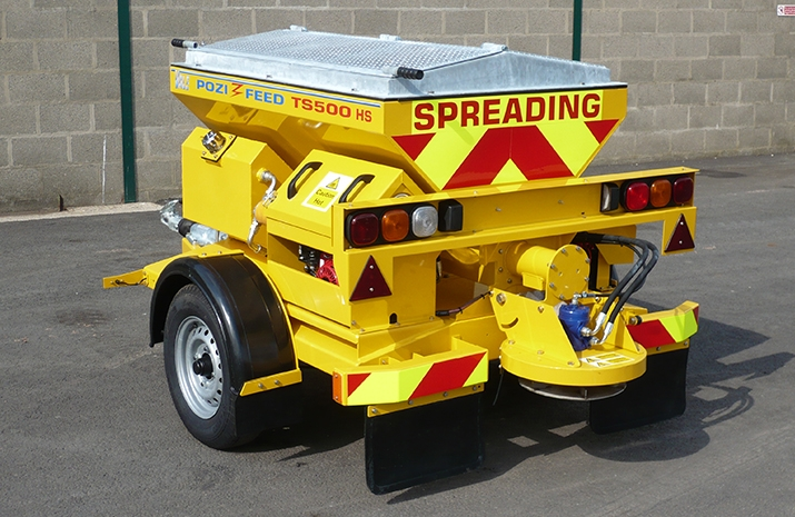 VALE Engineering's TS500HS salt spreader (gritter) - All metal work is blast cleaned prior to zinc rich powder prime and finished in polyester powder coat finish