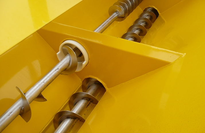 """100mm Stainless Steel """"POZI–FEED"""" double augers on VALE Engineering's TS500HS salt spreader (gritter)"""