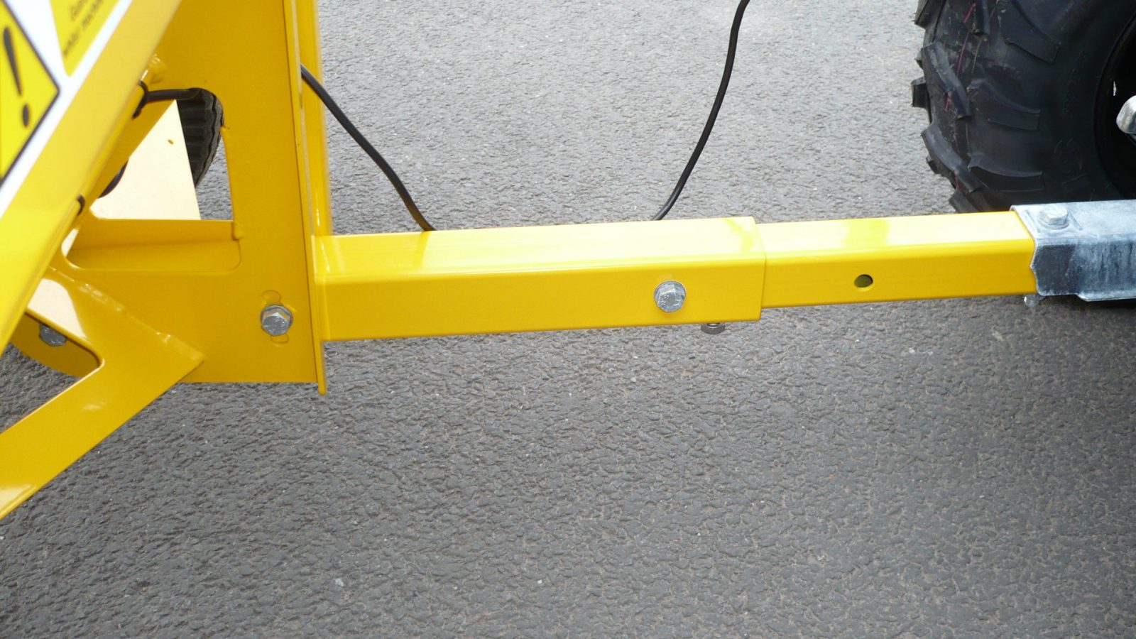 The TS80 has an extending drawbar which can be adjusted in height to suit various towing vehicles