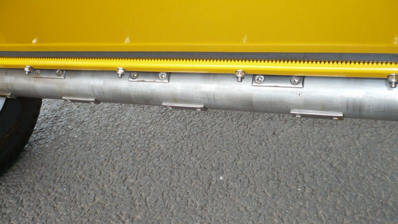 VALE Engineering's Towed or Mounted Drop Gritter TS80 has ground driven delivery roller with a drop width of 80cm