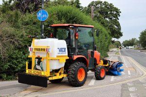 Liquid De-icerSnowbrush Mini-Tractor Combi